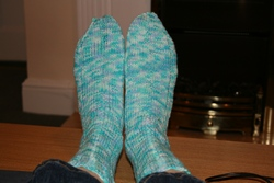 Blue ribbed boot socks.